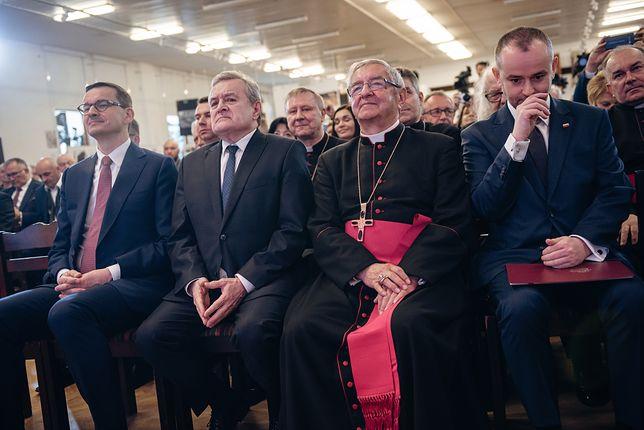 """Dariusz Bruncz: """"Abp Głódź to skuteczny dyplomata. Ma imponujące kontakty we wszystkich partiach"""" (Opinia)"""