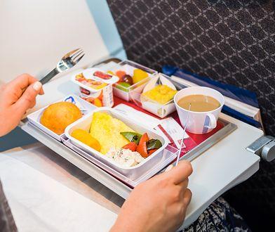 Na nasze wrażenia kulinarne w samolocie mają wpływ m.in. wysokość czy niskie ciśnienie.