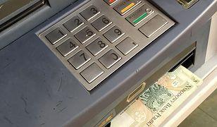 Bankomat wypłacał za wysokie nominały. Po roku bank ściga klientów