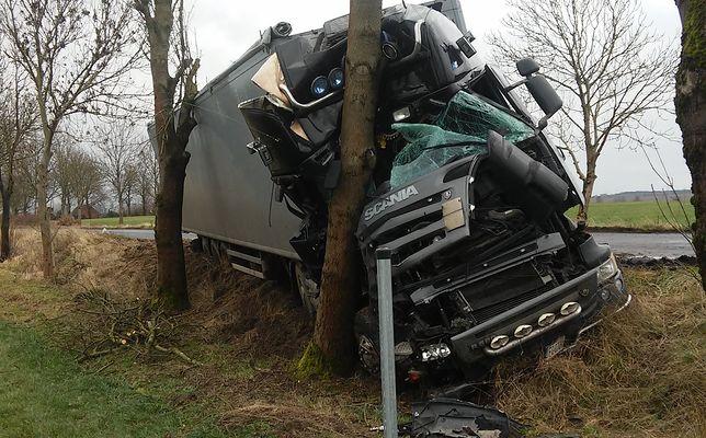 Kierowca nie ucierpiał w wypadku