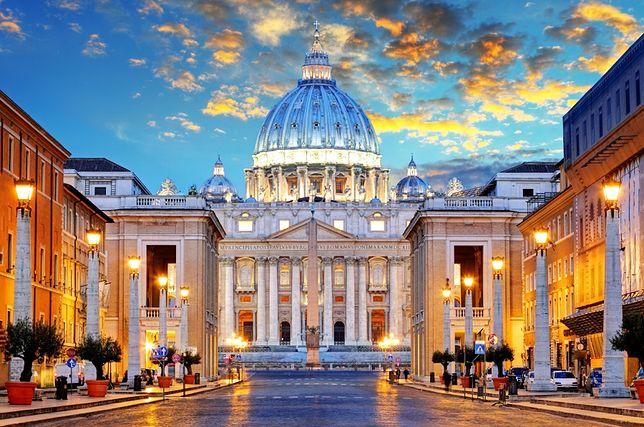 Punktem centralnym Watykanu jest Plac św. Piotra