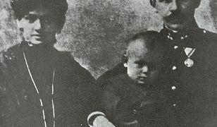 Rodzice Karola Wojtyły: Karol i Emilia z domu Kaczorowska, ze starszym bratem Edmundem