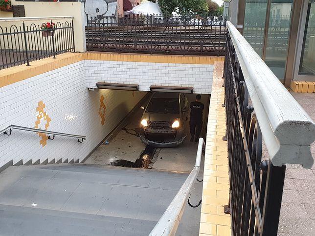 Sopot. 27-latek wjechał autem do tunelu pod Monciakiem na oczach policji
