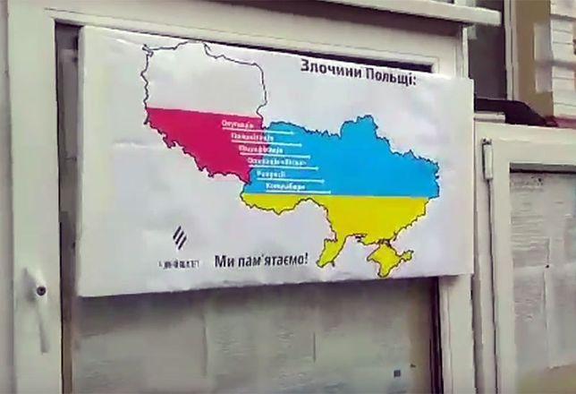 """Antypolski plakat na konsulacie RP w Kijowie. """"Narzucają nam własną wizję historii"""""""