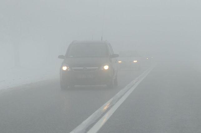 Silna mgła utrzyma się do godzin przedpołudniowych