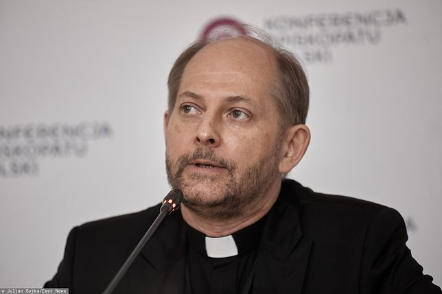 """Strajk kobiet. Rzecznik Episkopatu ks. Leszek Gęsiak wypowiedział się nt. """"straży narodowej"""""""