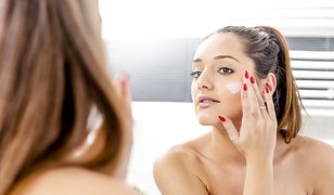 W jakiej kolejności nakładać kosmetyki? Jeśli się pomylisz, zablokujesz ich działanie