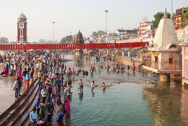 Mieszkańcy indyjskiego miasta Triśur nie byli zachwyceni, gdy z ich kranu popłynął alkohol (zdjęcie ilustracyjne).