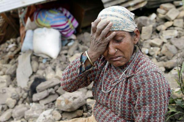 Trzęsienie ziemi w Nepalu. Premier: liczba zabitych może sięgnąć 10 tys.