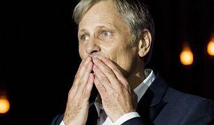 """""""To dziwna historia"""". Viggo Mortensen o pracy w Polsce na wydmach w Łebie i Polakach, których ceni"""