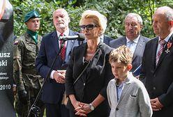 """""""Pani jest pewna, że on tu jest pochowany?"""". Poruszający wpis dziennikarki, która straciła męża w Smoleńsku"""