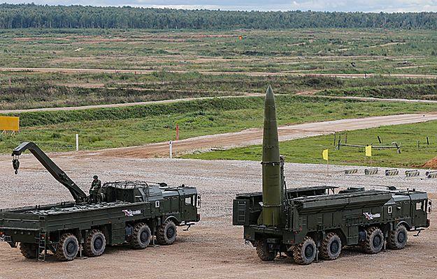 Mają zasięg do 500 km, w obszarze ich rażenia znajduje się Warszawa. Rosjanie testowali rakiety Iskander