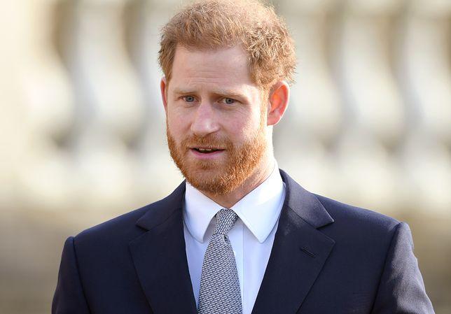 Książę Harry już znalazł nową pracę? Fanów rozbawił widok tego plakatu