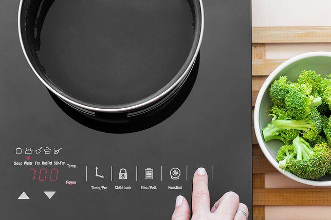 Płyta indukcyjna jest znacznie bezpieczniejszym rozwiązaniem od kuchenki gazowej.
