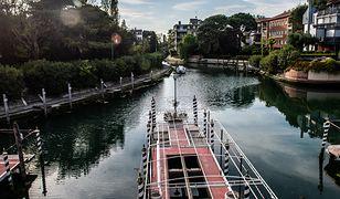 Wenecja. Książka z biblioteki przypłynęła łodzią do czytelnika