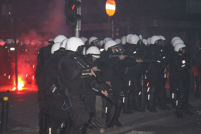 w 2017 roku 22 policjantów zostało rannych podczas Marszu Niepodległości.