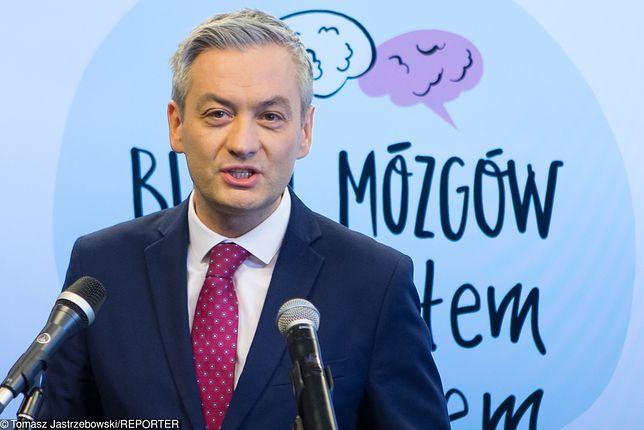 """Robert Biedroń: """"Nie jestem szalupą ratunkową dla PO"""""""