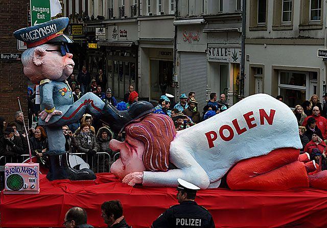 Na niemieckiej paradzie Polska pod butem Kaczyńskiego