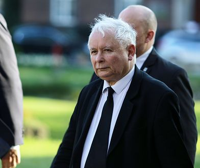 Prezes PiS nie przyjechał do Gdańska, gdzie w przededniu rocznicowych uroczystości wybuchła afera wokół tablic dla braci Kaczyńskich