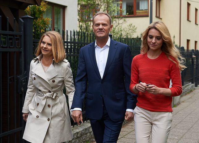 Donald Tusk. Nieoficjalnie: Rodzina byłego premiera nie chce jego powrotu do polskiej polityki