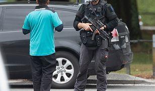 Terrorysta wtargnął do dwóch meczetów w Christchurch w Nowej Zelandi