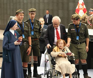 Ewa Orzechowska-Jeglińska została odznaczona przez prezydenta Andrzeja Dudę Krzyżem Oficerskim Orderu Odrodzenia Polski.
