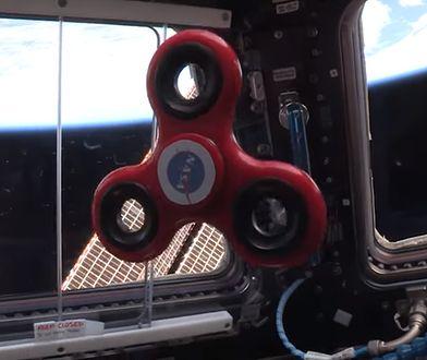Jedyne ciekawe nagranie z użyciem fidget spinnera jakie zobaczysz. NASA zabrało go w kosmos