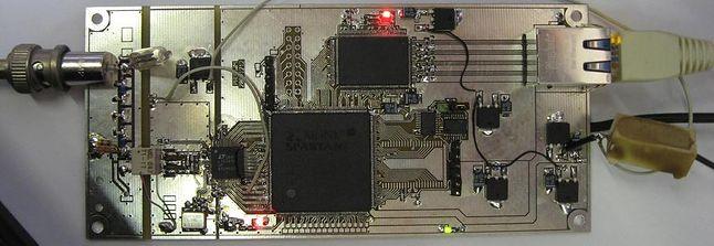 Jeden z odbiorników WebSDR bazujący na układzie FPGA/CPLD Xilinx Spartan
