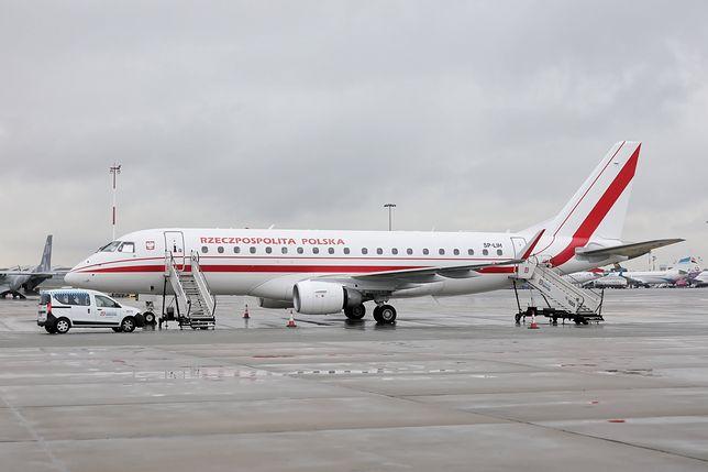 Warszawa. Rządowy samolot przed startem