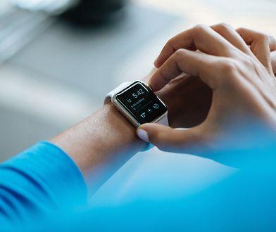 Smartwatche dla sportowców najczęściej mierzą tętno, liczbę kroków i dystans