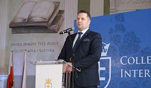 Przemysław Czarnek będzie mógł ustalać programy. W Sejmie podjęto decyzję