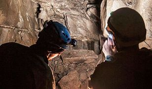 Kompleks czterech nieznanych dotąd jaskiń odkryli pasjonaci na terenach leśnych w granicach Bielska-Białej