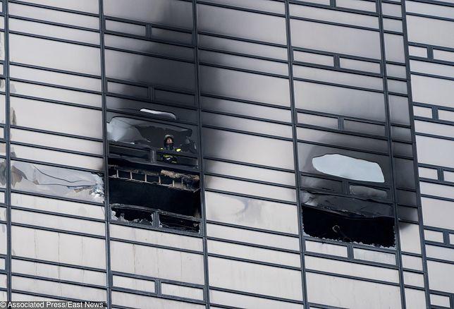Ogień pojawił się na 50. piętrze budynku