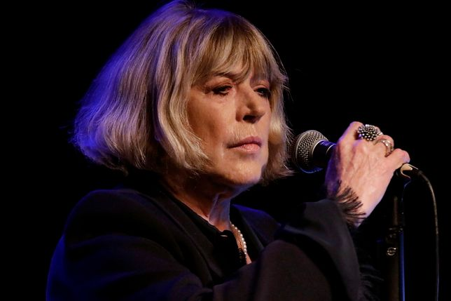 Marianne Faithfull w szpitalu. 73-letnia piosenkarka zakażona koronawirusem