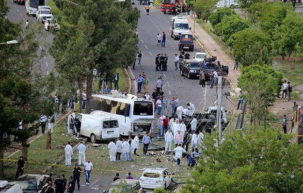 Zamach w Turcji. Wybuchł samochód-pułapka, zginęły 3 osoby, 45 jest rannych