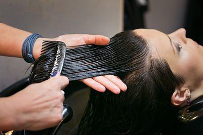 Gładkie włosy są na topie