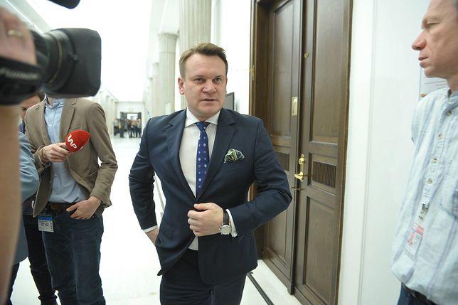 """Tarczyński: """"To akcja ludzi, którzy w kampanii wyborczej w USA wspierali Hillary Clinton"""