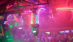 Wejście do klubu nocnego w Sopocie - od 21. roku życia