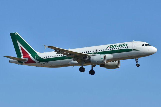 Samolot linii lotniczych Alitalia posiadają barwy flagi włoskiej
