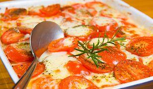 Sposób na tani i szybki obiad. Spróbuj pysznej zapiekanki ziemniaczanej