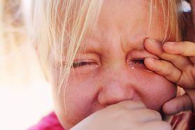 10 oznak wskazujących na to, że twoje dziecko ma problem ze wzrokiem