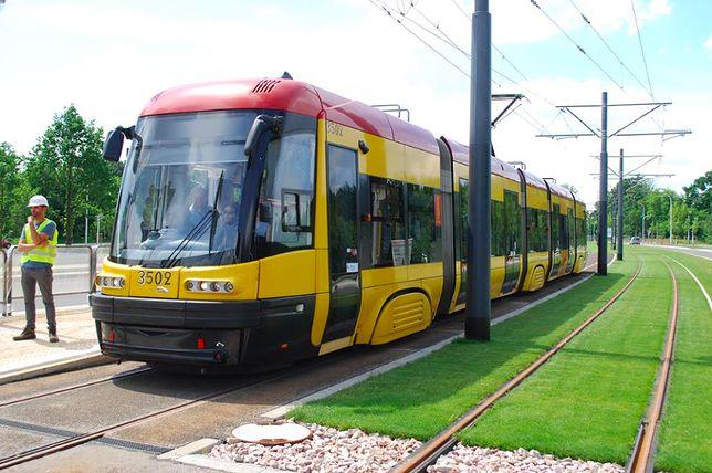 Warszawa. Od soboty przedłużone zostaną linie tramwajowe 17 i 2 do osiedla Winnica. Dłuższą trasę będą też mieć autobusy 509 i N09 (Urząd Miasta st. Warszawa)