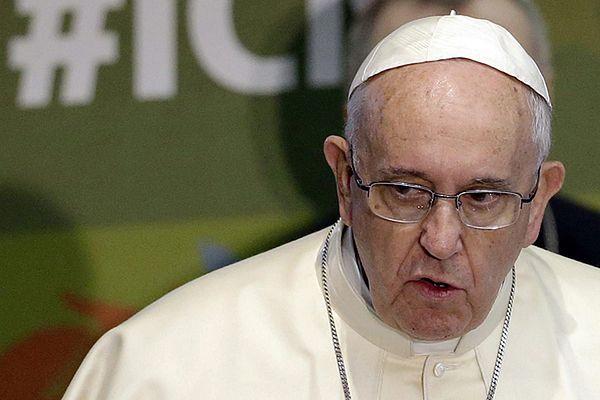 Hiszpania: 24-letni nauczyciel oskarżył księży o molestowanie. Zachęcił go papież Franciszek