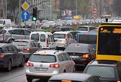 Warszawa. Ogromny korek na Trasie Siekierkowskiej po zderzeniu kilku samochodów