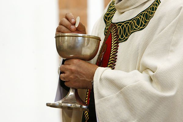 Żonaci księża katoliccy - będzie eksperyment?