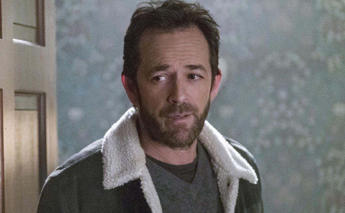 "Obsada ""Riverdale"" wspomina Luke'a Perry'ego. ""Niesamowicie bolesna strata"""