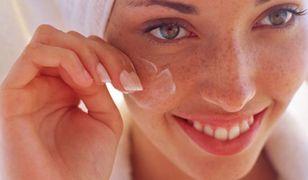 Krem do twarzy odżywi i nawilży suchą skórę