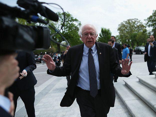Bernie Sanders ujawni wiedzę rządu na temat UFO.