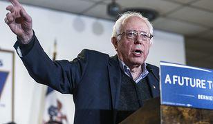 Bernie Sanders zwraca uwagę na nieuczciwe postępowanie korporacji.