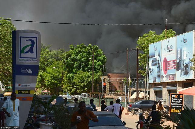 Burkina Faso. W skutek eksplozji karetki zginęło 6 osób (zdj. ilustr.)